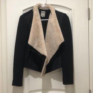 Zara trafaluc fur collar jacket